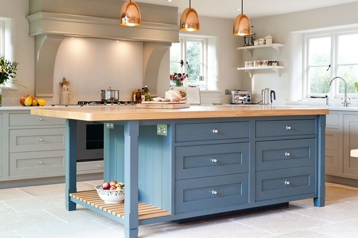 Edmondson-Interiors-Classic-Painted-Kitchen